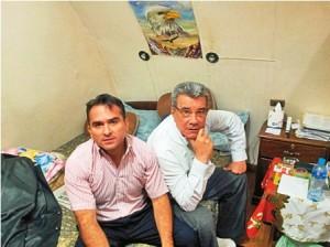 Jorge Sánchez em visita ao ex-governador de Pando, Leopoldo Fernandez que se encontra preso desde 2008 - Foto: El Dia