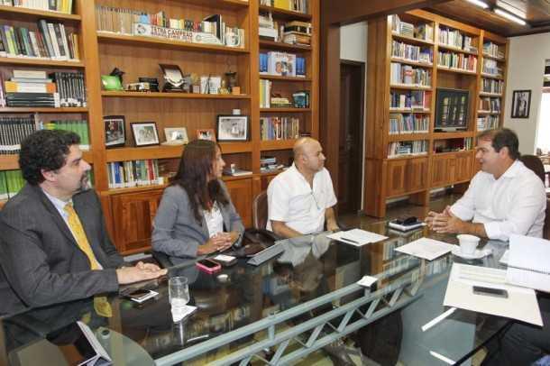 O governador Tião Viana comentou alguns dos projetos em desenvolvimento no Acre (Foto: Gleilson Miranda/Secom)