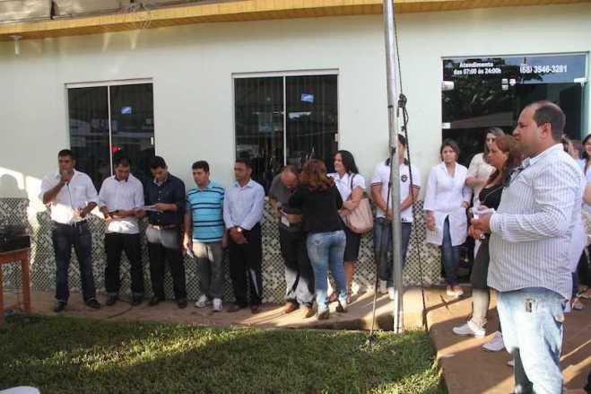 Prefeito, vereadores, secretários, funcionários e convidados participaram do evento - Foto: Alexandre Lima