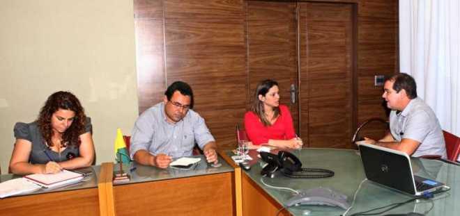 O governador Tião Viana se reuniu com o diretor do Depasa, Gildo César, e com a representante da Funasa, Renata Silva e Souza (Foto: Sérgio Vale/Secom)