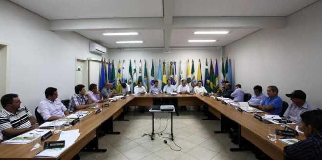 Prefeitos de todo o Acre participaram nesta terça-feira, 5, de reunião na sede da Amac (Sérgio Vale/Secom)