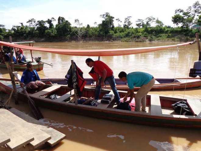 Drogsa estava escondida dentro de uma canoa usada para transportar pessoas - Foto: Raimari Cardoso