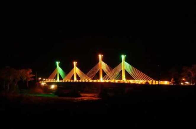 Ponte que une o Brasil com o Peru está localizada na cidade de Assis Brasi