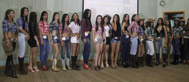 35 belas jovens concorreram na pre-seletiva