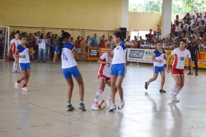Abertura-dos-jogos-escolares-2013-fotos-Ana-Freitas-em-14-de-maio-de-2013-110