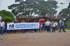 Caminha de Enfrentamento a Violência contra a C irança e Adolescente em 17 de maio de 2013 foto Wesley Cardoso (37)