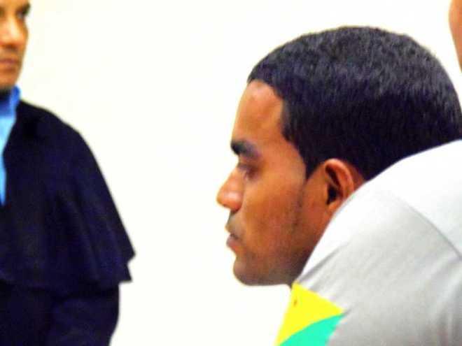 A totalização das penas resultou na condenação do réu Jaisson Moreira de Moura a 50 anos e 8 meses de reclusão em regime fechado.