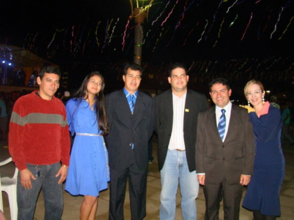 Pefeitos Betinho e André Hassem com as esposas; Emerson Leão e o secretário de Finanças, Eduardo