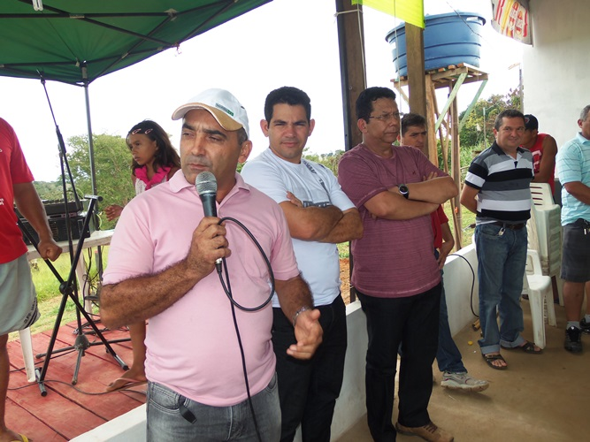 Prefeito Everaldo Gomes recebeu autoridades e convidados para abertura do campeonato na zona rural