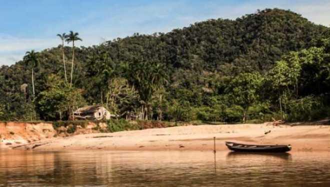 Iniciativas como o subsídio à borracha nativa, criado em 1999, e o Programa de Certificação da Propriedade Rural Sustentável, iniciado em 2010, são exemplos acreanos (Foto: Angela Peres/Secom)