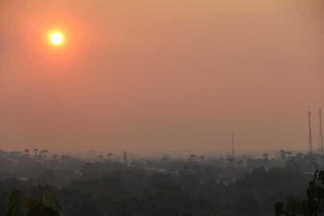 O sol ficou vermelho no final do dia devido a fumaça - Foto: Alexandre Lima
