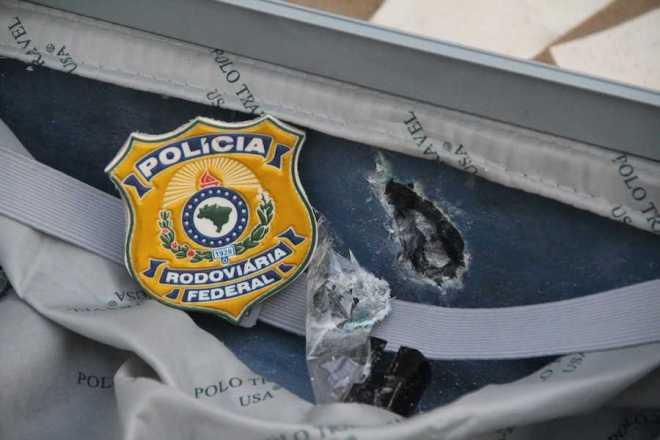 A droga estava no forro da mala e somou somou quase 9 quilos de cocaína - Foto: Alexandre Lima