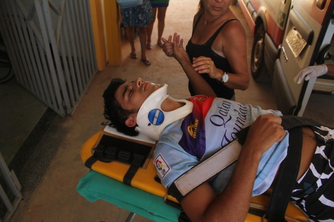 Kaylon caiu num barranco no km 13 após passar direto na curva - Foto: Alexandre Lima