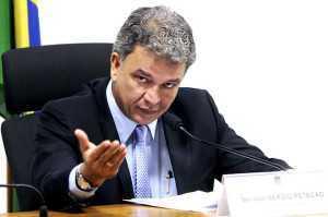 Senador Sérgio Petecão (PSD-AC) conduz reunião da CDH para instalação de subcomissões permanentes para ampliar os debates do colegiado