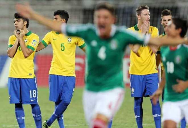 México elimina o Brasil após disputa de pênaltis (Foto: AFP)
