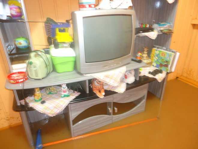 Moveis perdidos devido a água que invadiu a residência em Assis Brasil