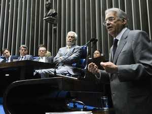 Fernando Henrique Cardoso em discurso na tribuna do Senado durante sessão comemorativa dos 20 do Plano Real (Foto: Geraldo Magela/Ag. Senado)