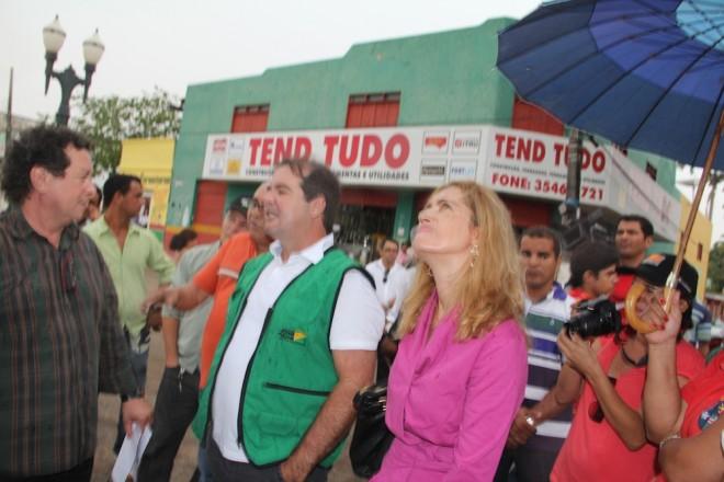 Wolvemar (esquerda) vai receber do governo do Acre cerca de R$ 18 mil mensais.