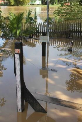Às 8h18 desta sexta, as águas do rio Acre alcançaram 11,01cm - Foto: Alexandre Lima