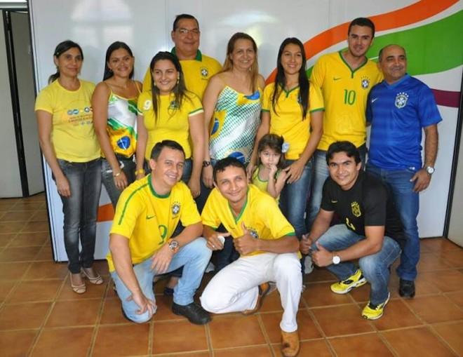 Prefeito e funcionários da prefeitura de Brasiléia estão torcendo pela Seleção Brasileiria contra o México - Foto: cedida