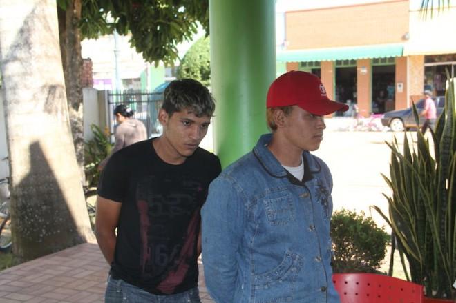 Os irmão Renê Abreu da Silva (21) e seu irmão, Ronaldo Abreu da Silva (20), foram até a casa do desafeto que ainda está desaparecido