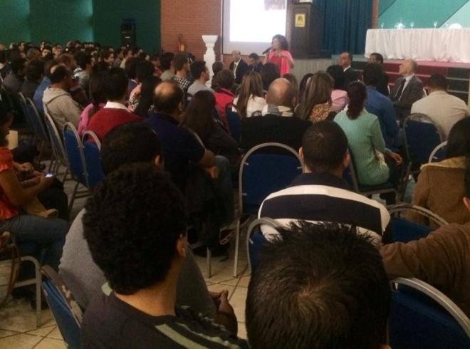 Perpétua Almeida discute situação dos estudantes brasileiros nas universidades bolivianas