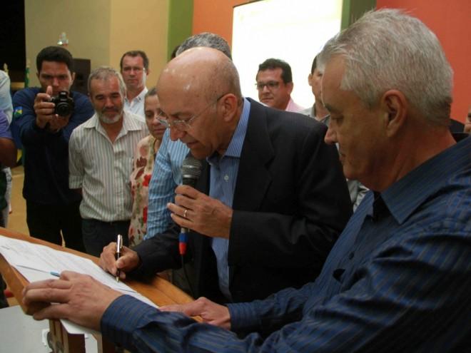 Governador assina lei que isenta comércio de Guajará de pagar ICMS  -  Foto: Assessoria/Decom/RO