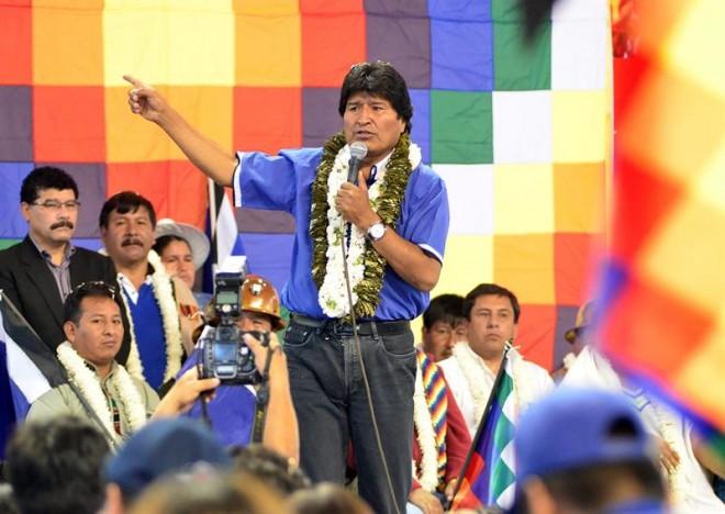 Morales, eleito pela primeira vez em 2005, é o primeiro presidente indígena boliviano, povo que representa cerca de 60% da população do país
