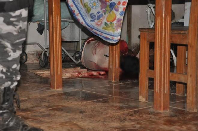 Uma viatura do Samu ainda esteve no local, mas encontrou o corpo sem vida da vítima/Foto: Selmo Melo/ContilNet Notícias