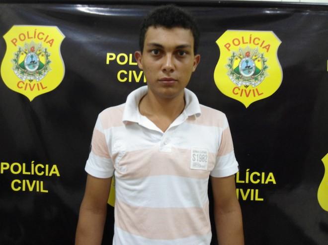 Daniel de Souza Ribeiro  trabalhava como caixa do estabelecimento