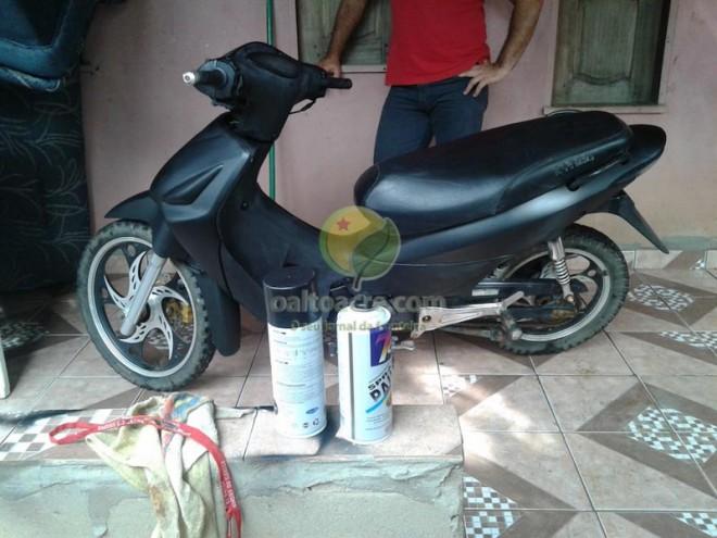 Moto furtada foi adulterada para que fosse usada em furtos e assaltos.
