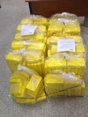 Pesagem de droga foi concluída na sede da Polícia Federal (Foto: PF/Divulgação)