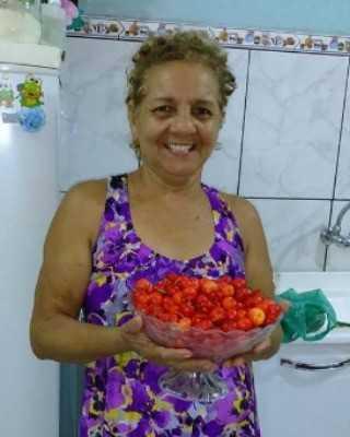 Francisca Oliveira morreu após receber ligação dizendo que uma das filhas havia sido sequestrada (Foto: Arquivo Pessoal)
