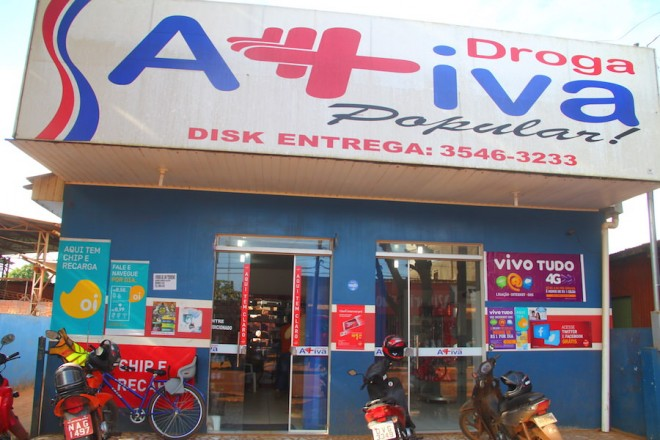 Farmácia seria a segunda assaltada na Avenida - Foto: Alexandre Lima
