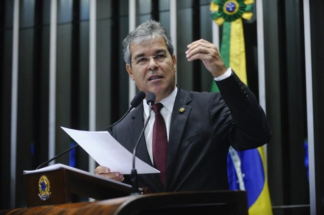 Plenário do Senado Federal durante sessão deliberativa ordinária.  Em discurso, senador Jorge Viana (PT-AC).  Foto: Moreira Mariz/Agência Senado