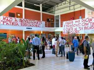Servidores da Ufac estão em greve desde 29 de maio (Foto: Divulgação/Adufac)