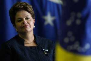 DF - DILMA/MILITARES - POLÍTICA - A presidente Dilma Rousseff durante   cerimônia de imposição da Ordem do   Mérito da Defesa, em Brasília, nesta   quinta-feira.   15/12/2011 - Foto: BETO BARATA/AGÊNCIA ESTADO/AE