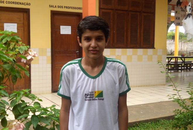 Luis Fernando Peña de 14 anos, foi selecionado para ingressar nos estudos da escola modelo de ensino médio SESC