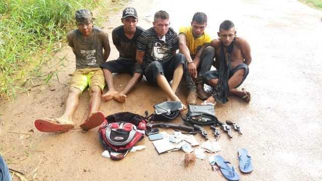 Suspeitos foram presos no bairro Neném das Neves