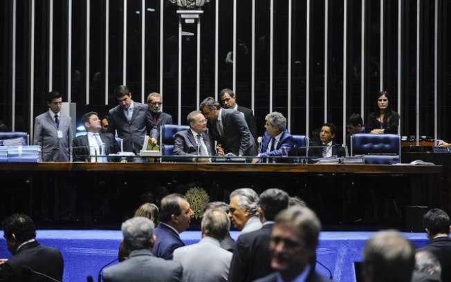 Os senadores Gladson Cameli, Renan Calheiros Aécio Neves e Jorge Viana, nesta terça-feira/Moreira Mariz/Agência Senado