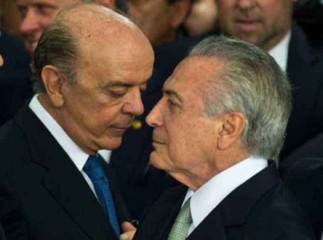 Diplomacia. Presidente em exercício Michel Temer aprovou a decisão de Serra e ajudou a redigir o parágrafo de uma das duas notas do Itamaraty em reação às críticas ao impeachment