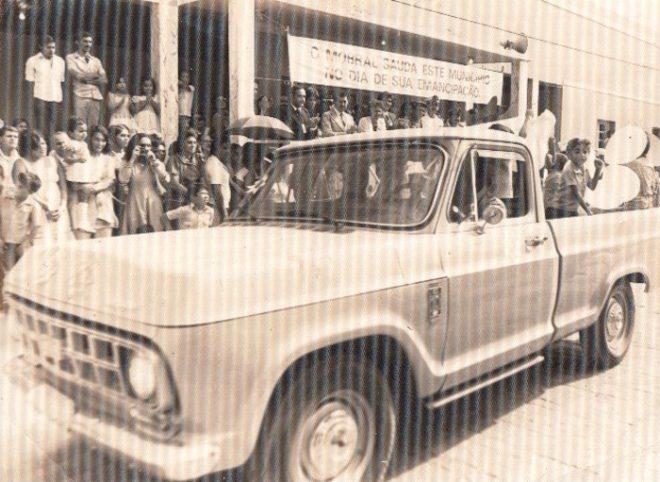 Solenidade de emancipação do município de Brasiléia - Foto: Arquivo famíliar