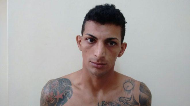 """DIC divulga foto de Jard Ramos dos Santos, vulgo """"Babinha"""", investigado a fim de que ele seja reconhecido por outras vítimas (Divulgação PC)"""
