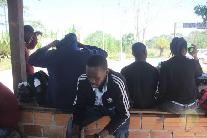 Imigrantes estão retornando para ao país de origem como Haiti e Senegal