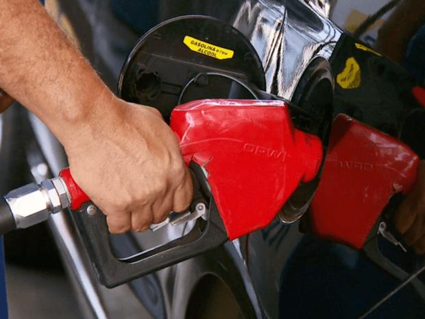 Preço da gasolina varia de estado para estado por uma série de fatores (Foto: Reprodução EPTV)