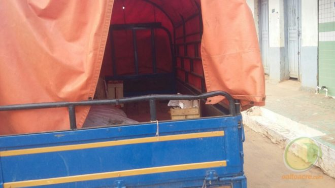 Flagrante mostra caminhão entrando com verduras e outros pordutos para serem vendidos pelas ruas de Brasiléia e Epitaciolândia.