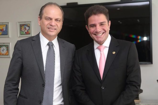 Senador Gladson Cameli esteve à frente das negociações com o ministro da Saúde, Ricardo Barros /Foto: Assessoria