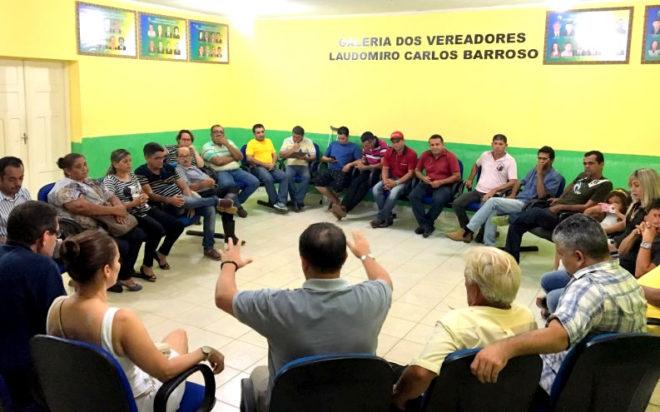 Em Brasileia, lideranças de vários partidos se reuniram com Bittar/Foto: Wania Pinheiro/ContilNet