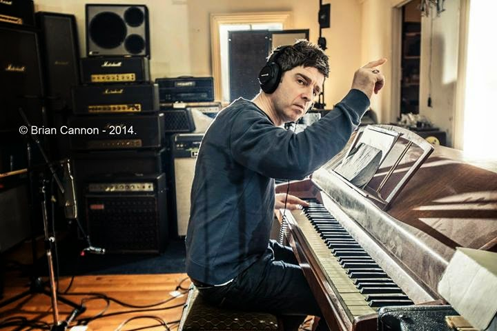 noel gallagher in the studio 2014 1