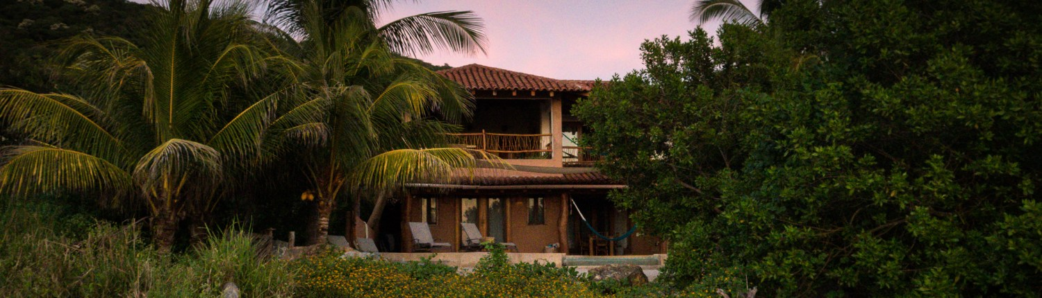 Casa Oasis Troncones beachfront vacation rental